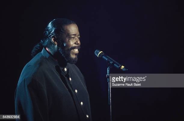 Popular American soul singer Barry White performs on the French music television program Taratata