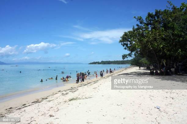 popular beach - makassar stock pictures, royalty-free photos & images