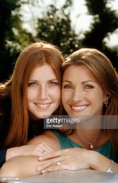 Popular English television actress Jane Seymour is in Paris with her daughter Katie