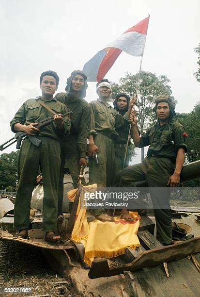 Popular jubilation as North Vietnamese troops enter Saigon