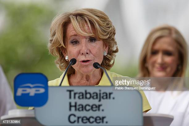 Popular Party candidate for Madrid mayorality Esperanza Aguirre speaks to members of the public during an election campaign rally at Madrid Rio on...