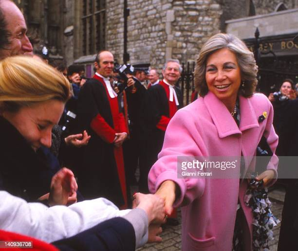 Popular reception for the Spanish Queen Sofia 22nd April 1986 Windsor England