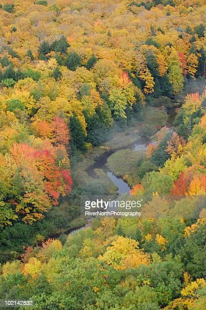 ヤマアラシ山脈 - ポーキュパイン山脈ウィルダネス州立公園 ストックフォトと画像