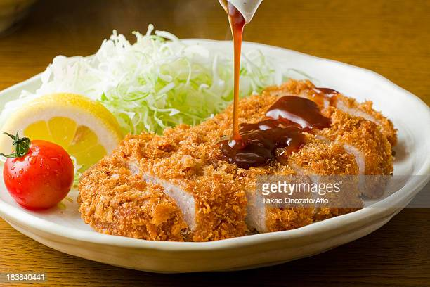 pork cutlet - tonkatsu photos et images de collection