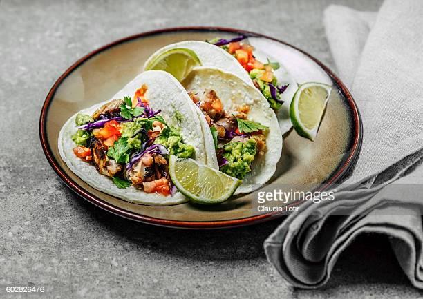 pork tacos - trapo de cocina fotografías e imágenes de stock