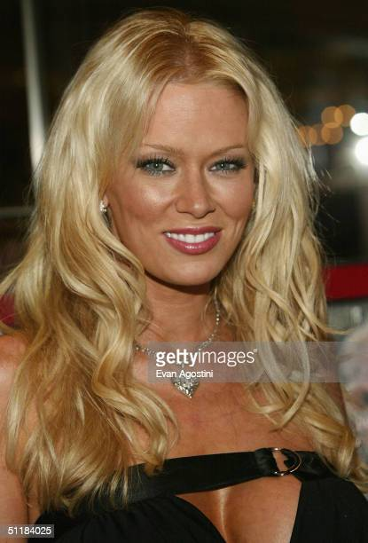 Porn actress Jenna Jameson signs copies of her new book How To Make Love Like A Porn StarA Cautionary Tale at Virgin Megastore Times Square August 17...