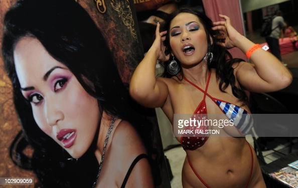 Masters cock pornstar jessica moore interviews cumshot