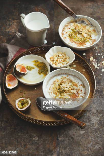 Porridge with passion fruit and almond