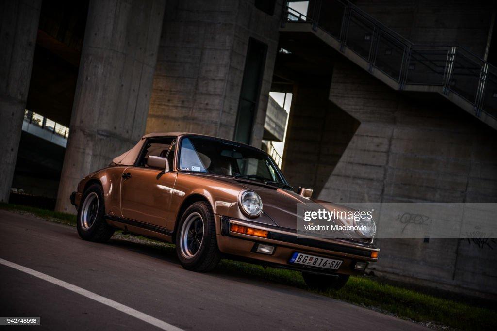 Porsche 911 Carrera 2 cabrio : Stock Photo