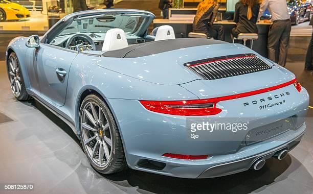 porsche 911 carrera 4 deportes coche cabriolet - porsche 911 descapotable fotografías e imágenes de stock