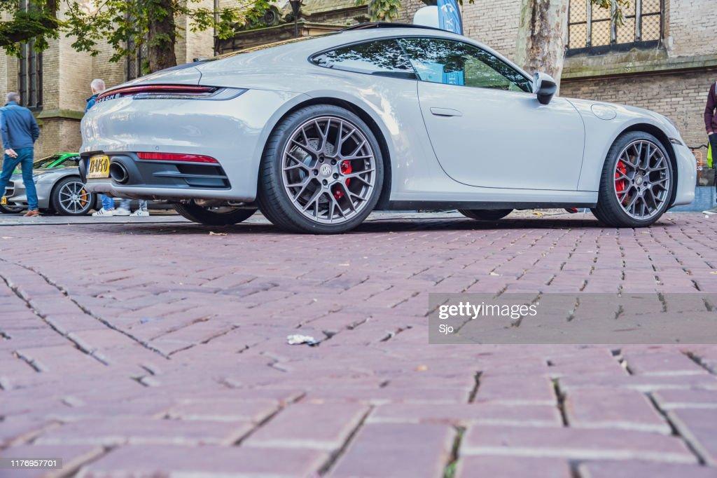 Porsche 911 Carrera S 992 carro esportivo : Foto de stock