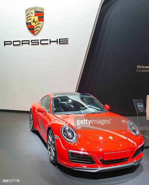 porsche 911 carrera s sportwagen - porsche 911 stock-fotos und bilder