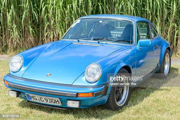 Porsche 911 classic sports car front
