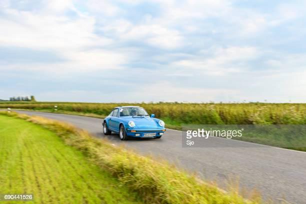 Porsche 911 klassieke sportwagen voorzijde