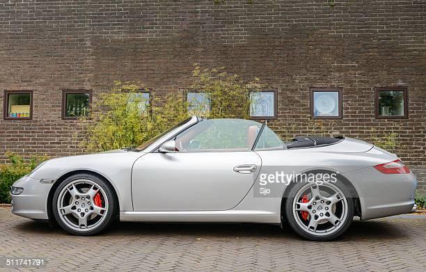 porsche 911 convertible - porsche 911 descapotable fotografías e imágenes de stock
