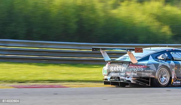 porsche 911 rsr dempsey proton racing - porsche stock pictures, royalty-free photos & images
