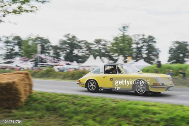 porsche 911 targa vintage classic sports car front - 1970s muscle cars stock pictures, royalty-free photos & images