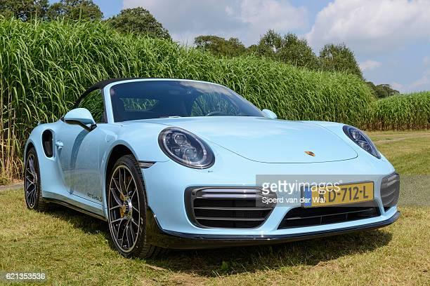 "porsche 911 turbo s convertible sports car - ""sjoerd van der wal"" fotografías e imágenes de stock"