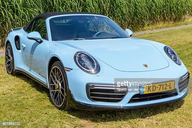 """porsche 911 turbo s convertible sports car - """"sjoerd van der wal"""" stockfoto's en -beelden"""