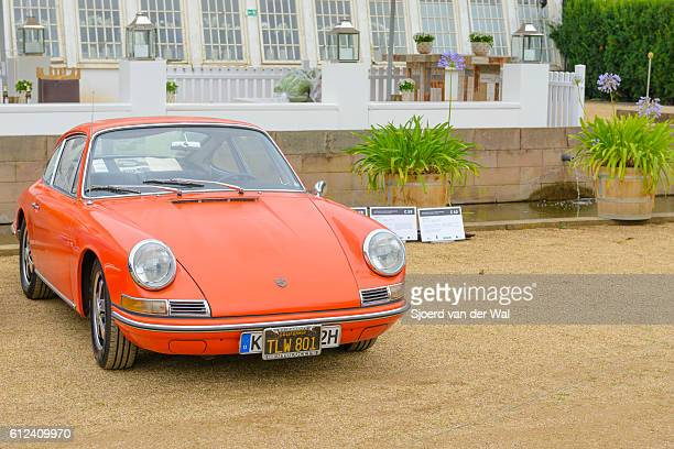 "porsche 911 vintage classic sports car front view - ""sjoerd van der wal"" stock pictures, royalty-free photos & images"