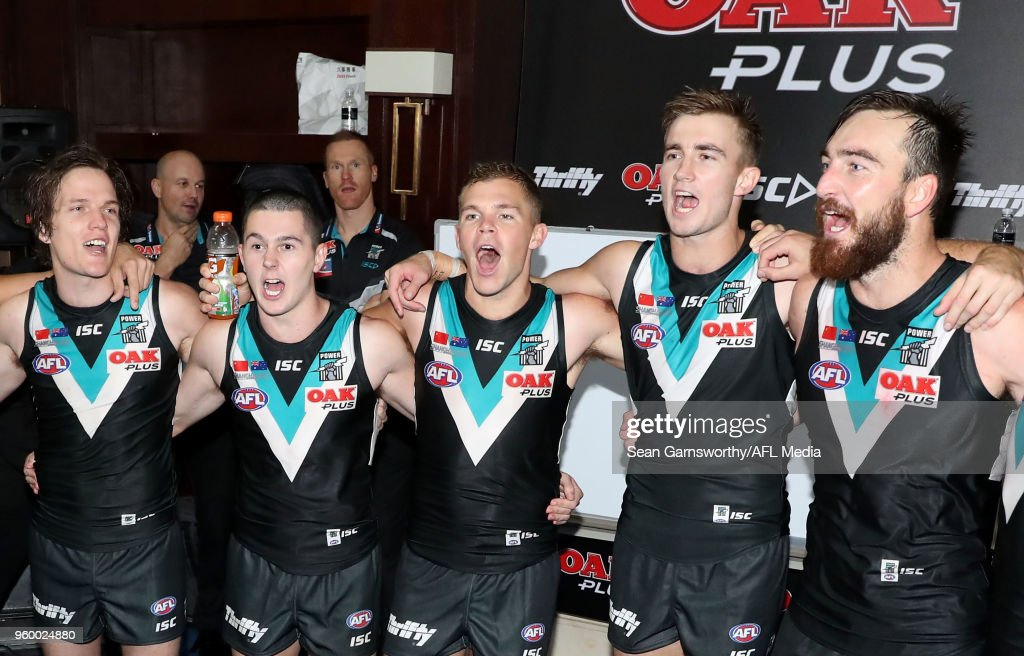 AFL Rd 9 - Gold Coast v Port Adelaide : News Photo