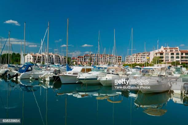 port cogolin, var, provence, france - var stock-fotos und bilder