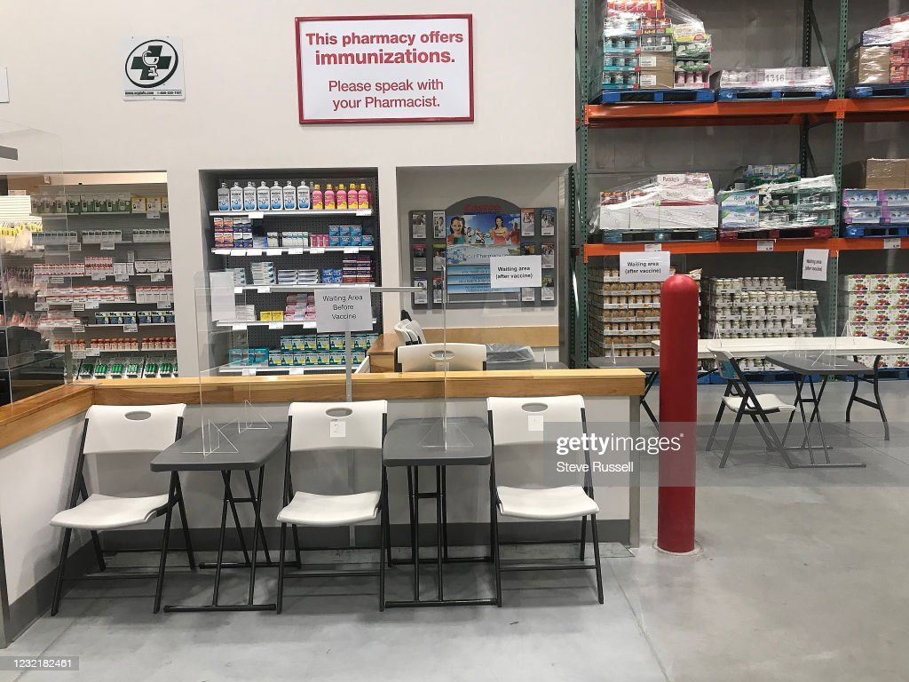 Big box stores like Costco are open but cannot sell non-essential items.  Ontario tightens restrictions to slow the spread of the COVID-19 pandemic : News Photo