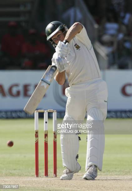 Port Elizabeth, SOUTH AFRICA: South African batsman Marc Boucher plays a shot, 21 January 2007, during the third day of the second test cricket match...