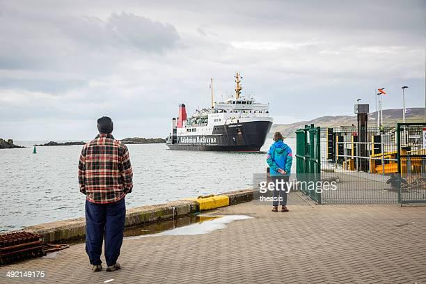 port ellen ferry terminal, insel islay - theasis stock-fotos und bilder