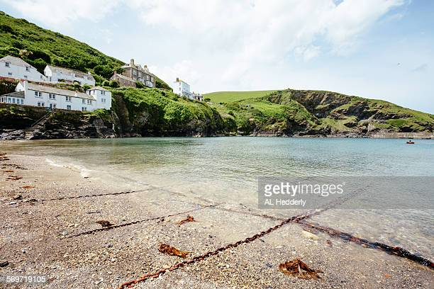port isaac harbour and beach - port isaac stock pictures, royalty-free photos & images