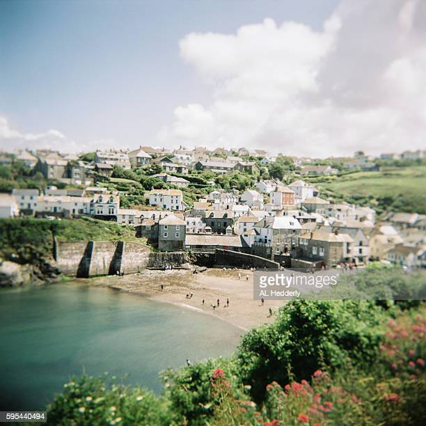 port isaac harbour (holga film) - english blue film photos stock photos and pictures