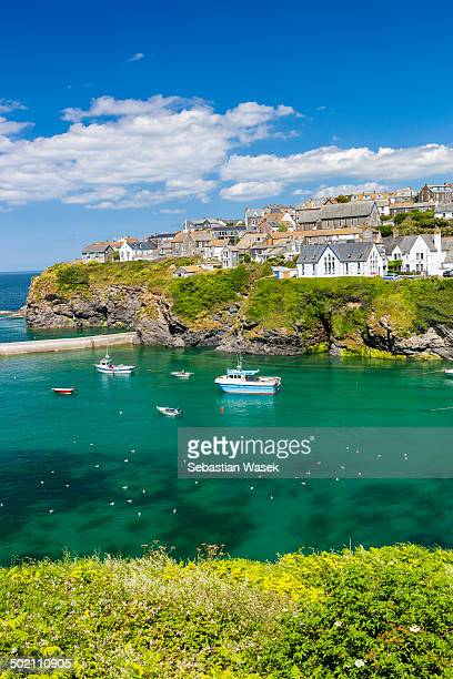 port isaac - port isaac stock pictures, royalty-free photos & images