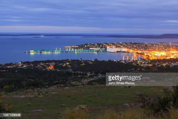 port lincoln from winters hill. - porto lincoln - fotografias e filmes do acervo