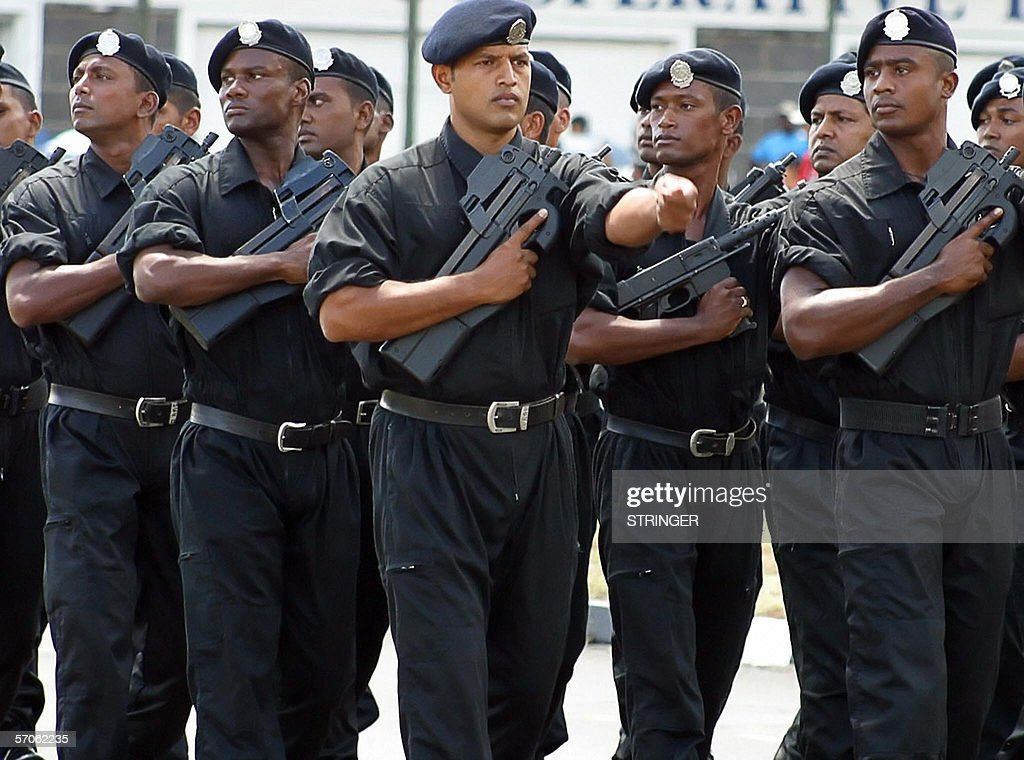 Mauritius police forces parade 12 March : News Photo