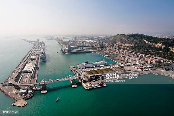 port of barcelona - dársena fotografías e imágenes de stock