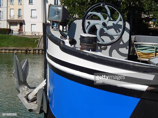 a port of call in ile-de-france - marne stock pictures, royalty-free photos & images