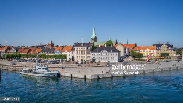 port of helsingør, view of the harbour square and havnegade harbourfront, zealand, denmark - helsingor stock pictures, royalty-free photos & images
