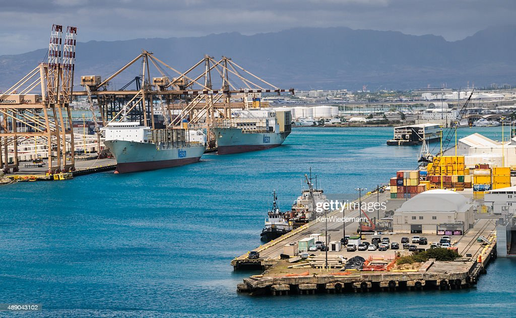 Port Of Honolulu >> Port Of Honolulu Stock Photo Getty Images