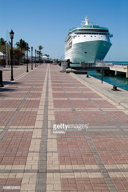 port of key west - duval street stock pictures, royalty-free photos & images