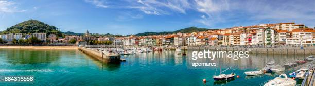 ビルバオ港とマリーナのパノラマ ビュー。バスク国ビスカヤ県、スペイン - ビスカヤ県 ストックフォトと画像