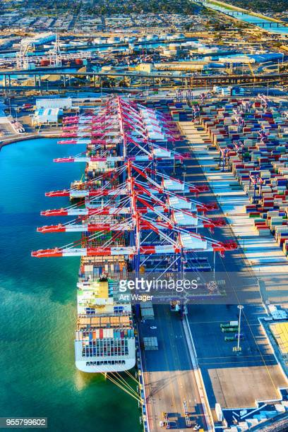 port of long beach aerial - commercial dock stock pictures, royalty-free photos & images