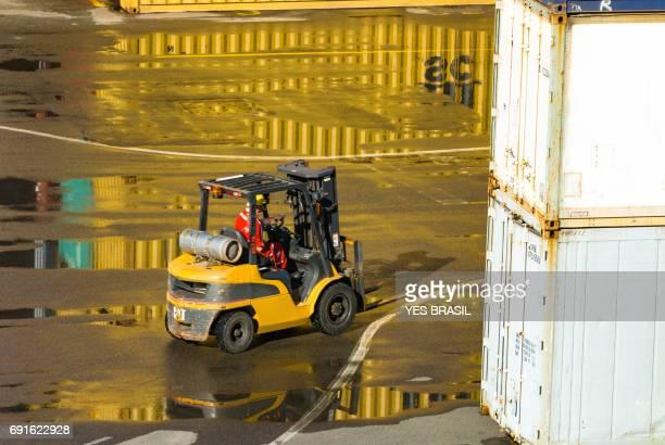 Hafen der Stadt Navegantes - Gabelstapler be-