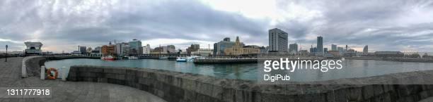 port of yokohama panoramic view - 警察署 ストックフォトと画像