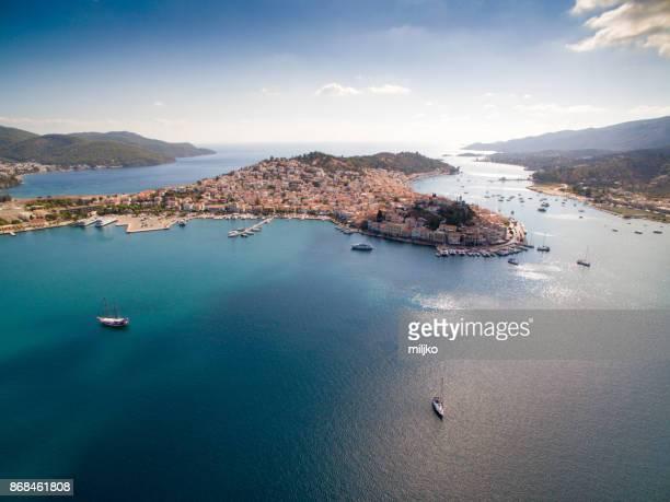 puerto pireo en atenas - peninsula de grecia fotografías e imágenes de stock