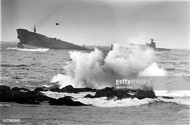 Port Sall schwere See zerbricht dengestrandeten Tanker 'Amoco Cadiz' 1978