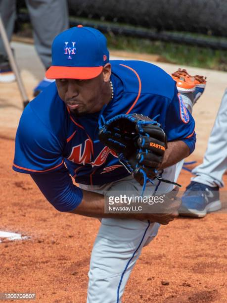 New York Mets pitcher Edwin Diaz throws a bullpen session during a spring training workout, on February 15 in Port St. Lucie, Florida.