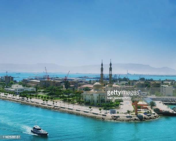 port suez view - kanal stock-fotos und bilder