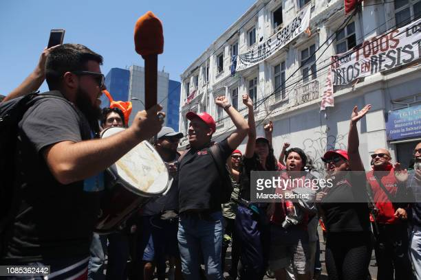 Port workers celebrate the agreement with EPV outside the Dock Workers Union to end the strike on December 21 2018 in Valparaiso Chile The 35day...