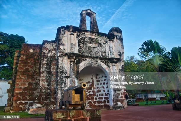 porta de santiago (or pintu gerbang santiago) in malacca, malaysia - melaka state stock pictures, royalty-free photos & images