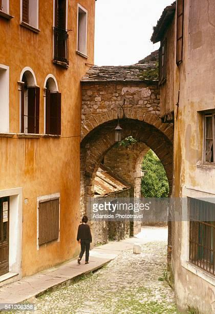 porta rugo in belluno - ベッルーノ ストックフォトと画像